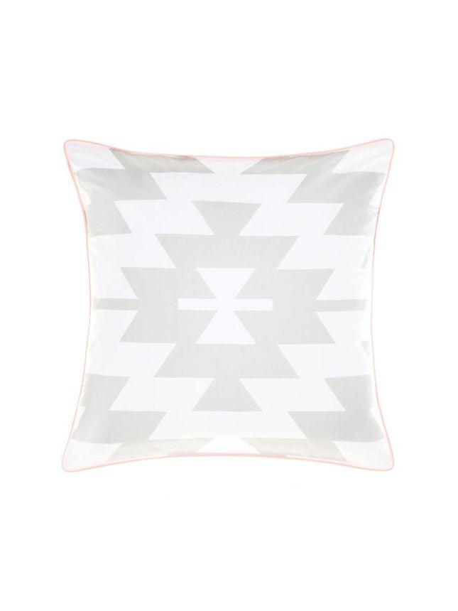 arrangement european kings sharpen find bed wid one lane romantic op pillow perfect pillows live your home love