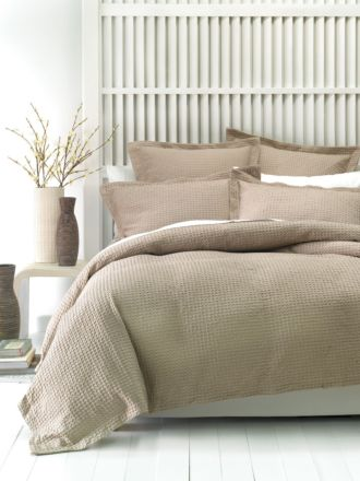 Deluxe Waffle Tan Quilt Cover Set