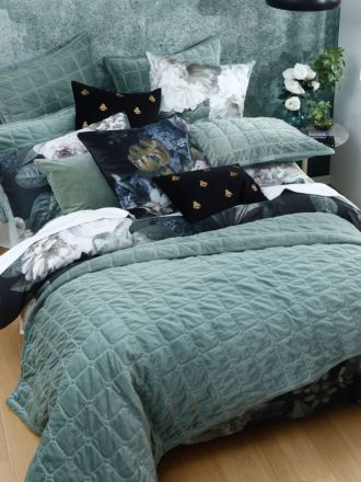 Meeka Laurel Coverlet Set