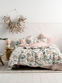 Luana Coverlet Set